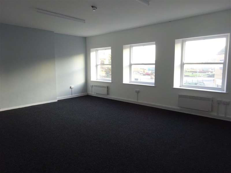 1 Bedroom Office Commercial for rent in Market Place, Dewsbury, WF13 1AA