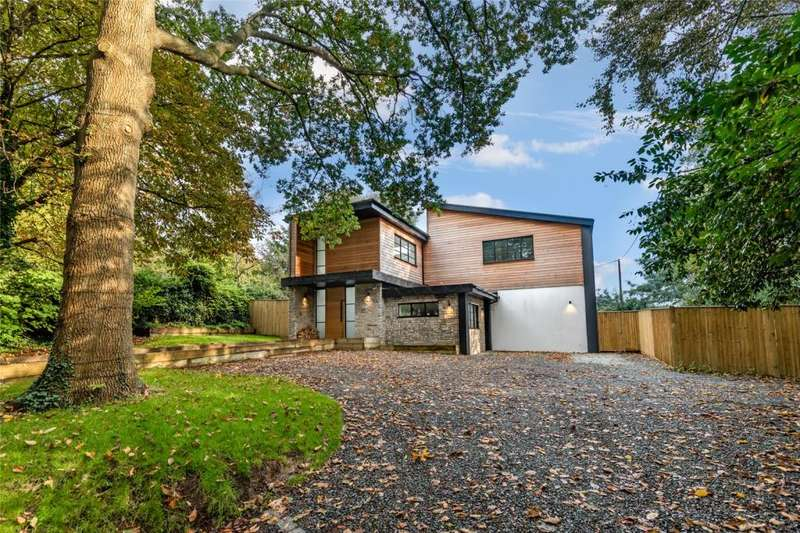 5 Bedrooms Detached House for sale in The Street, Albourne, Hassocks, West Sussex, BN6