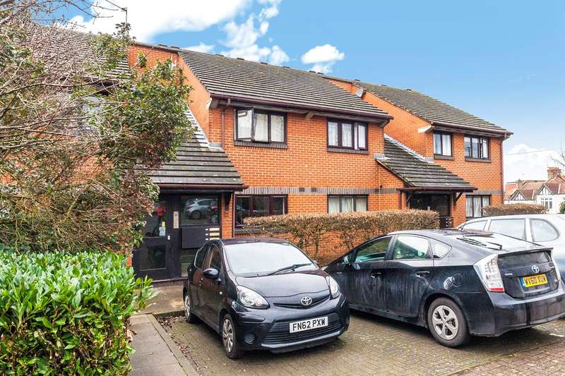 2 Bedrooms Apartment Flat for sale in St Benedicts Close, London, SW17