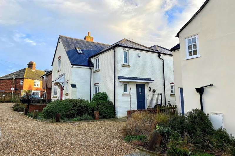 2 Bedrooms Town House for sale in Town Centre, Ringwood, BH24 1DT