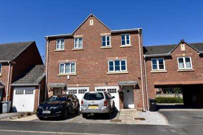 3 Bedrooms Town House for sale in Great Oak Square, Mobberley, Knutsford, Cheshire