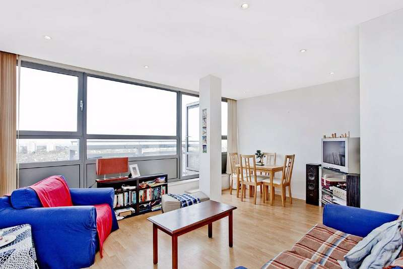 2 Bedrooms Flat for sale in Courtenay House, Brixton, London