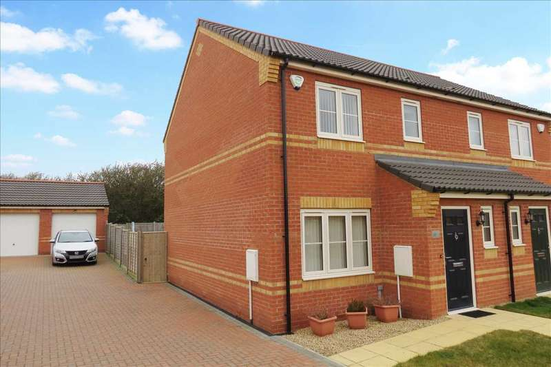 3 Bedrooms Semi Detached House for sale in Finch Drive, Sleaford