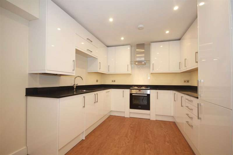 2 Bedrooms Apartment Flat for sale in Outstanding NEWLY BUILT architect designed 2 Bedroom GROUND floor Apartment in Boxmoor.