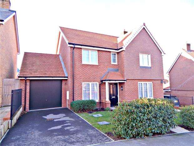 4 Bedrooms Detached House for sale in Townsend Road, Stone Cross, Pevensey