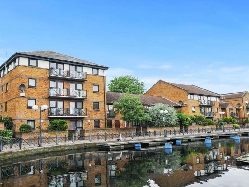 1 Bedroom Flat for sale in Whiteadder Way, Canary Wharf E14