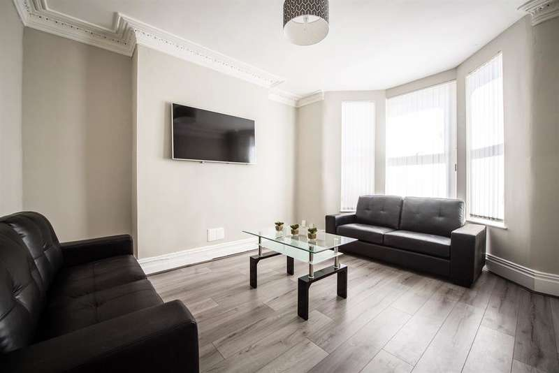 5 Bedrooms Terraced House for rent in Egerton Road, Liverpool, L15 2HN