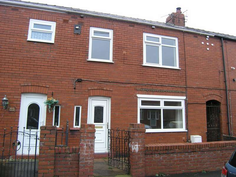 3 Bedrooms Terraced House for sale in Kirkless Street, Aspull, Wigan