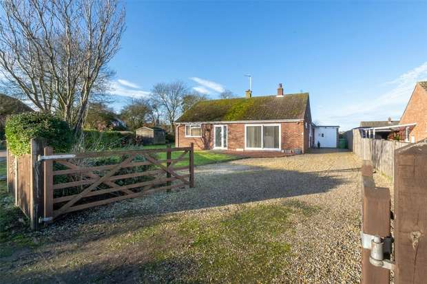 3 Bedrooms Detached Bungalow for sale in Little Snoring