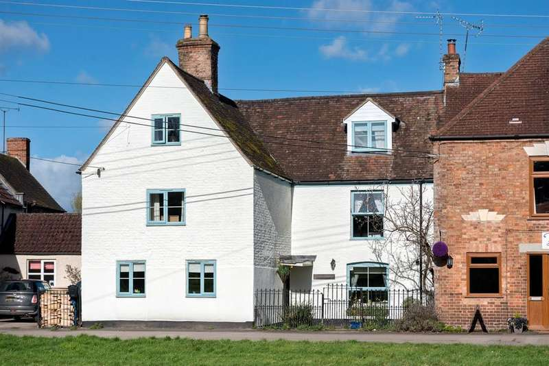 5 Bedrooms Detached House for sale in The Green, Frampton on Severn, Gloucester, GL2 7DY