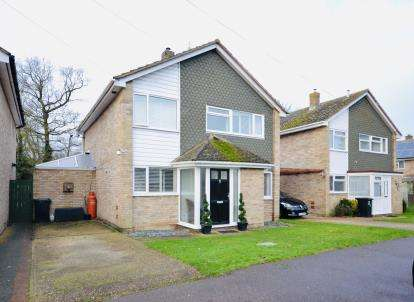 4 Bedrooms Detached House for sale in Bradwell-On-Sea, Southminster, Essex
