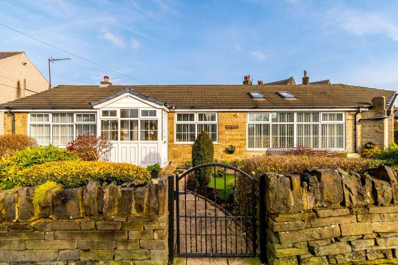 3 Bedrooms Detached Bungalow for sale in Halifax Road, Hove Edge, HD6 2QG