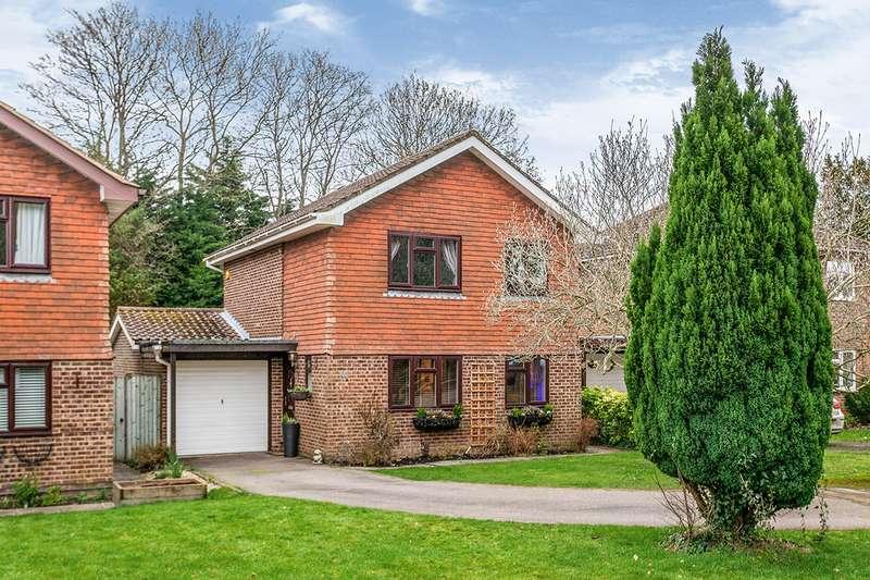4 Bedrooms Detached House for sale in Tristan Gardens, Tunbridge Wells, Kent, TN4