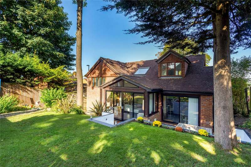 4 Bedrooms Detached House for sale in Graham Road, Purley, CR8