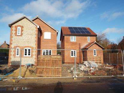3 Bedrooms Detached House for sale in Hindolveston