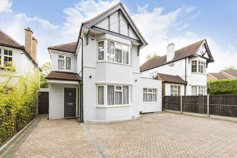 4 Bedrooms Detached House for sale in Clamp Hill, Stanmore, STANMORE