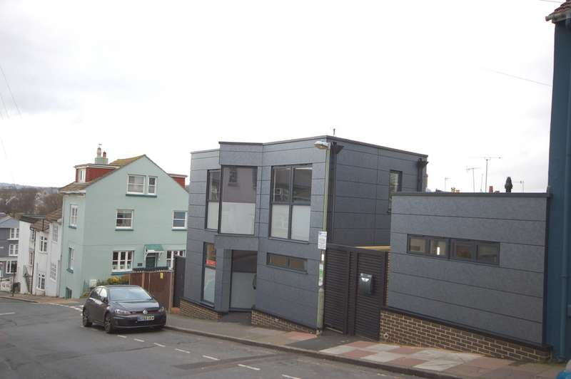 2 Bedrooms Detached House for rent in Southover Street, Brighton BN2