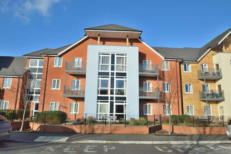 2 Bedrooms Flat for sale in Surrey Court, Kent Road, Chandler's Ford