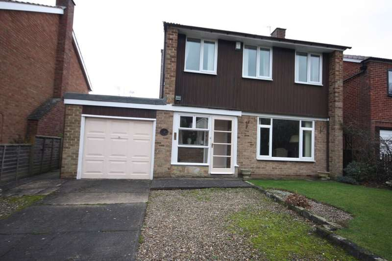 3 Bedrooms Detached House for sale in The Grove, Guisborough, TS14