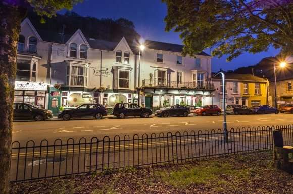 20 Bedrooms Property for sale in Patricks with Rooms, Mumbles Road, Mumbles, SA3 4EA