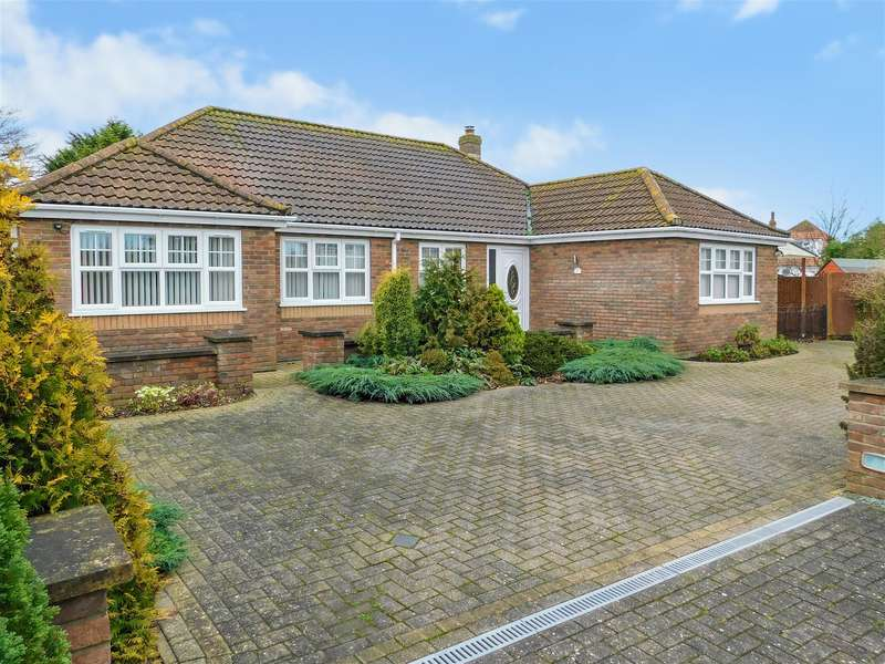 4 Bedrooms Detached Bungalow for sale in Bluestone Way, Sutton-on-Sea,