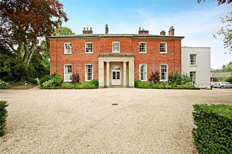 3 Bedrooms Retirement Property for sale in Wye House, Barn Street, Marlborough, Wiltshire, SN8