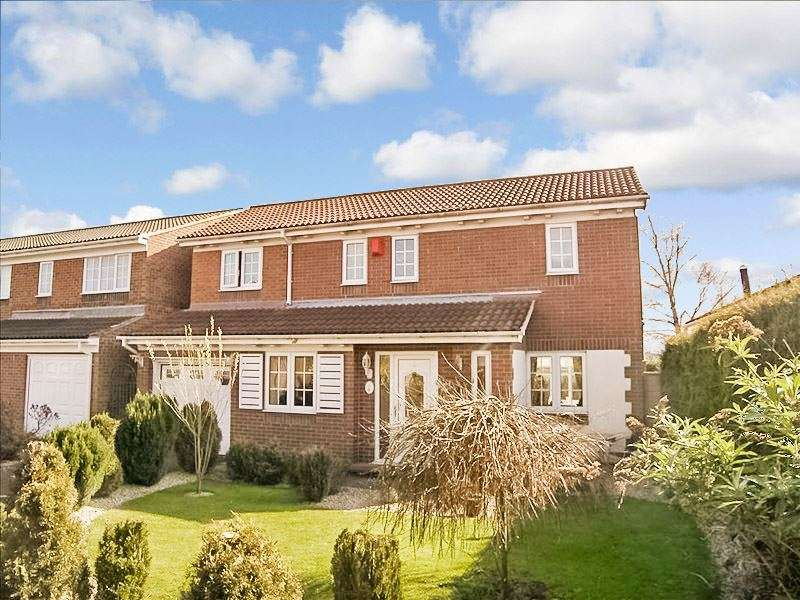 4 Bedrooms Property for sale in Avebury Avenue, Stakeford, Choppington, Northumberland, NE62 5HE