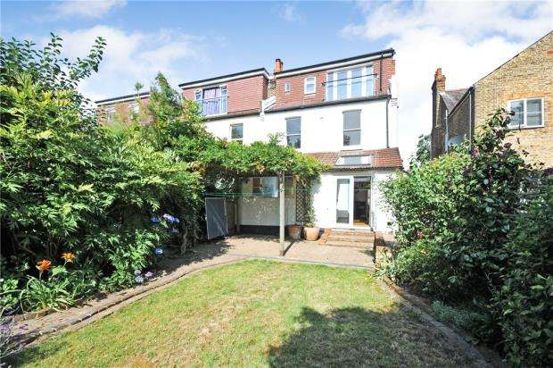 5 Bedrooms Semi Detached House for sale in Clock House Road, Beckenham, Kent