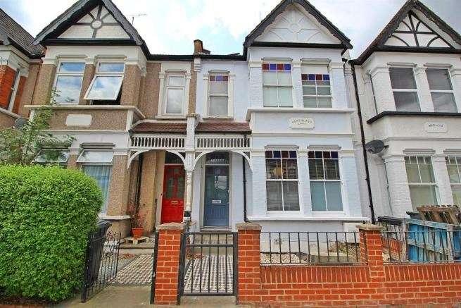 4 Bedrooms Terraced House for sale in Fyfield Road, Enfield, EN1