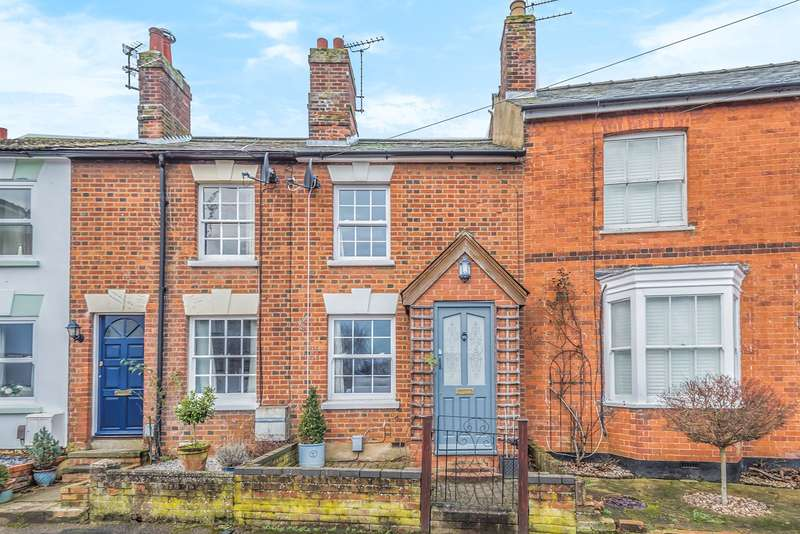 2 Bedrooms Terraced House for sale in Bedford Street, Hitchin, SG5