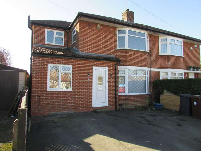 3 Bedrooms Semi Detached House for sale in Kenilworth Drive, Borehamwood