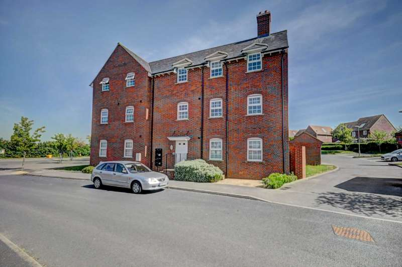 1 Bedroom Apartment Flat for sale in Old Kiln Lakes, Kiln Avenue, Chinnor