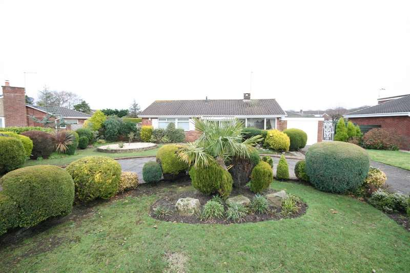 2 Bedrooms Detached Bungalow for sale in Greenwich Drive, Lytham