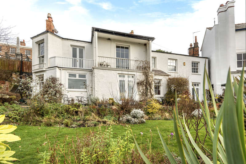 4 Bedrooms Detached House for sale in Barrel Well Hill, Boughton
