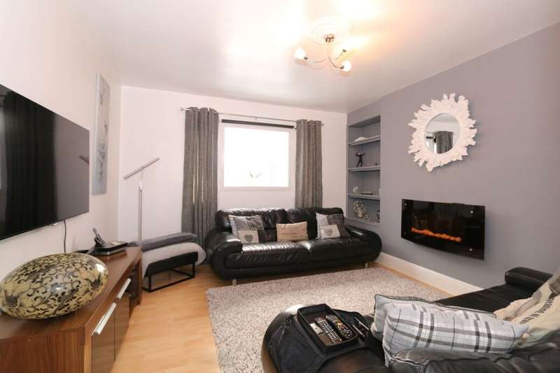 3 Bedrooms Semi Detached House for sale in Henley Place, Manchester, M19