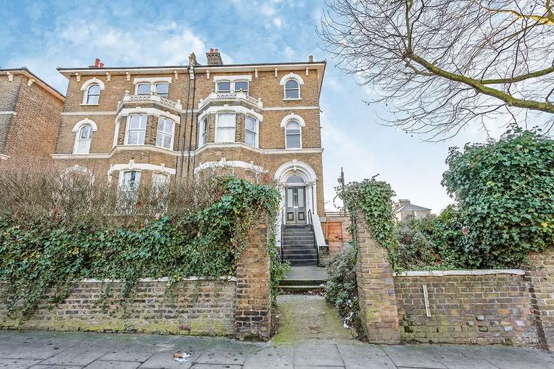 3 Bedrooms Apartment Flat for sale in Lewisham Way, London, SE4