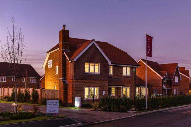 4 Bedrooms Detached House for sale in Centenary Fields, Sherfield Road, Hampshire