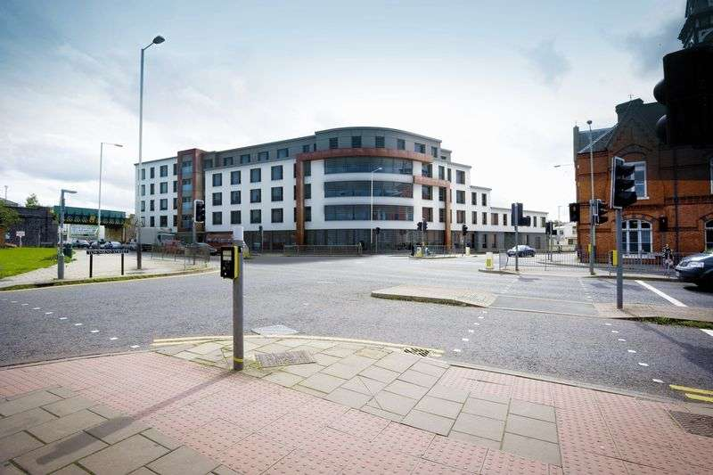 2 Bedrooms Property for sale in Apartment 6 Honeybourne Gate, Cheltenham: **NEW HOME**