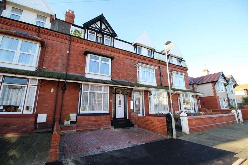7 Bedrooms House for sale in Beechwood Road, Rhyl, Clwyd, LL18