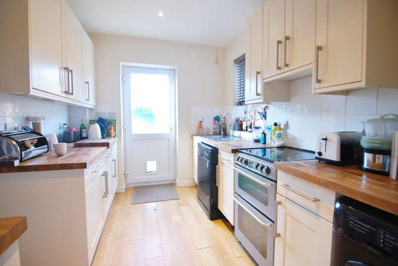 4 Bedrooms Terraced House for sale in Lodge Oak Lane, Tonbridge TN9