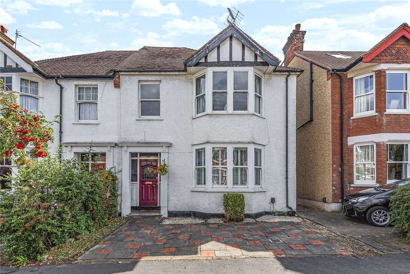 4 Bedrooms Semi Detached House for sale in Oxhey Avenue, Watford, WD19
