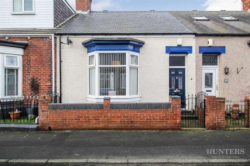 2 Bedrooms Cottage House for sale in Forster Street, Roker, Sunderland, SR6 0JS