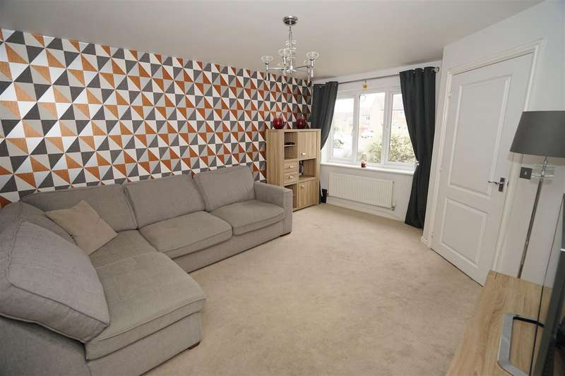3 Bedrooms Town House for sale in Harrier Close, Lostock, Bolton