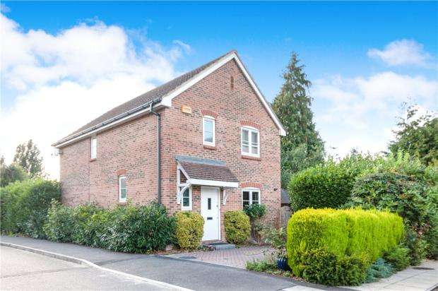 3 Bedrooms Detached House for sale in Lanes End, Chineham, Basingstoke
