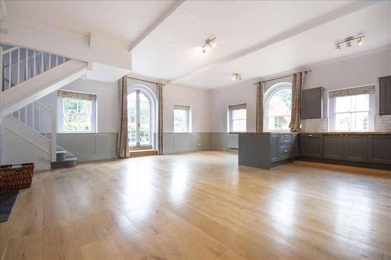 3 Bedrooms Maisonette Flat for sale in The Mansion House, Lees Court, Sheldwich