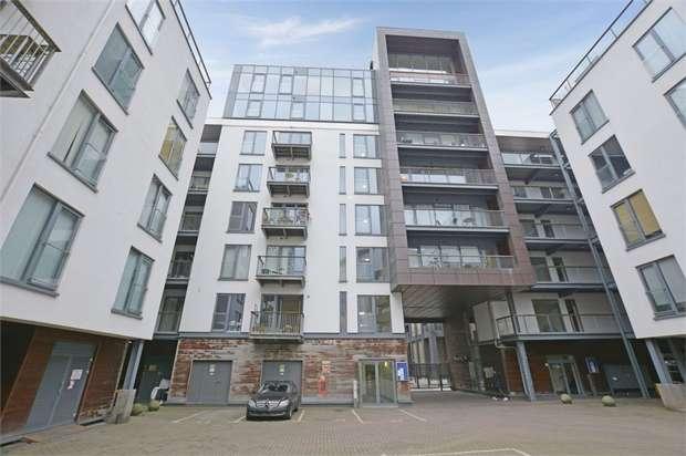 1 Bedroom Flat for sale in 4 Roach Road, London