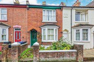 3 Bedrooms End Of Terrace House for sale in Gordon Road, Canterbury, Kent