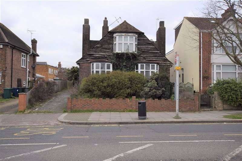 2 Bedrooms Flat for sale in Daws Lane, Mill Hill, London, NW7