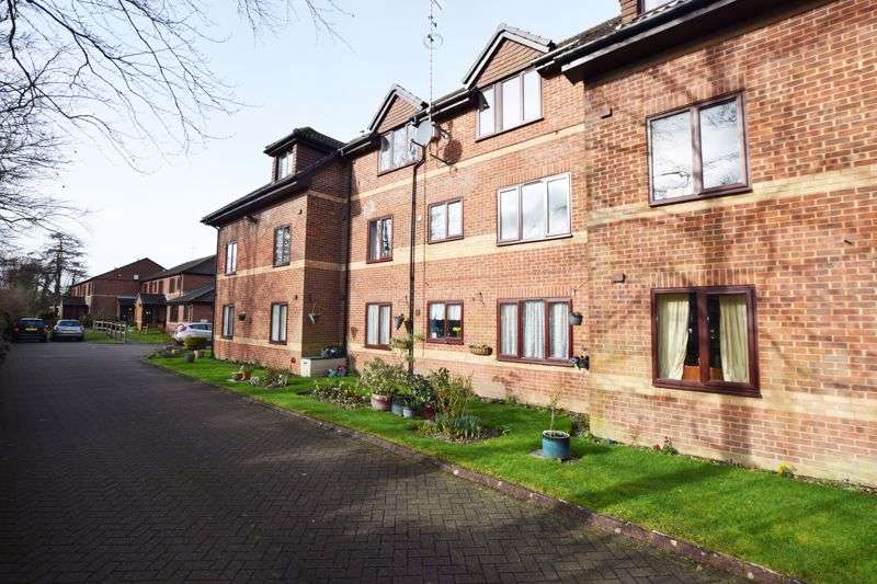 1 Bedroom Property for sale in Just south of Alton town centre