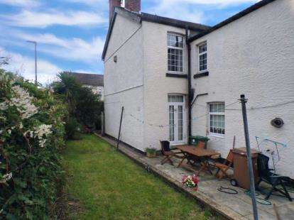 4 Bedrooms Semi Detached House for sale in South Road, Prenton, Merseyside, CH42